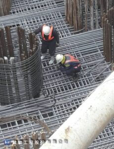 圓滿達成海上版樁圍堰嚴重滲漏水封堵工作