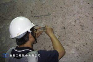 分別研擬剝落混凝土及局部鋼筋修復方案