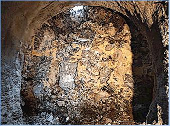崩積岩塊層孔隙中並無大量地下水湧出